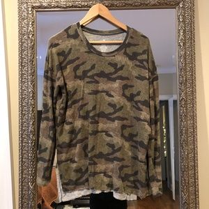 American Eagle Camo SOFT & SEXY LONG SLEEVE SHIRT